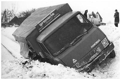 Njemački ex-proizvođači 1415-Unfall-Hanomag-Lkw