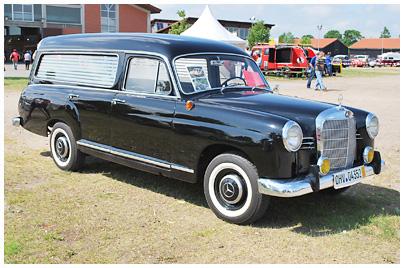 Mercedes Benz Ponton Leichenwagen Bestattungsfahrzeuge