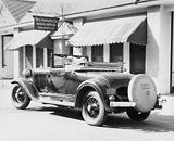 Der Doble Steamer war ein stattliches Auto und wog deutlich über 2 Tonnen