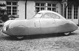 Auch ohne viel Fantasie als Urahn des 356 zu erkennen: Typ 64